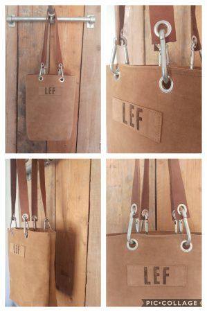 LEF tas gemaakt van een lichte kleur suede